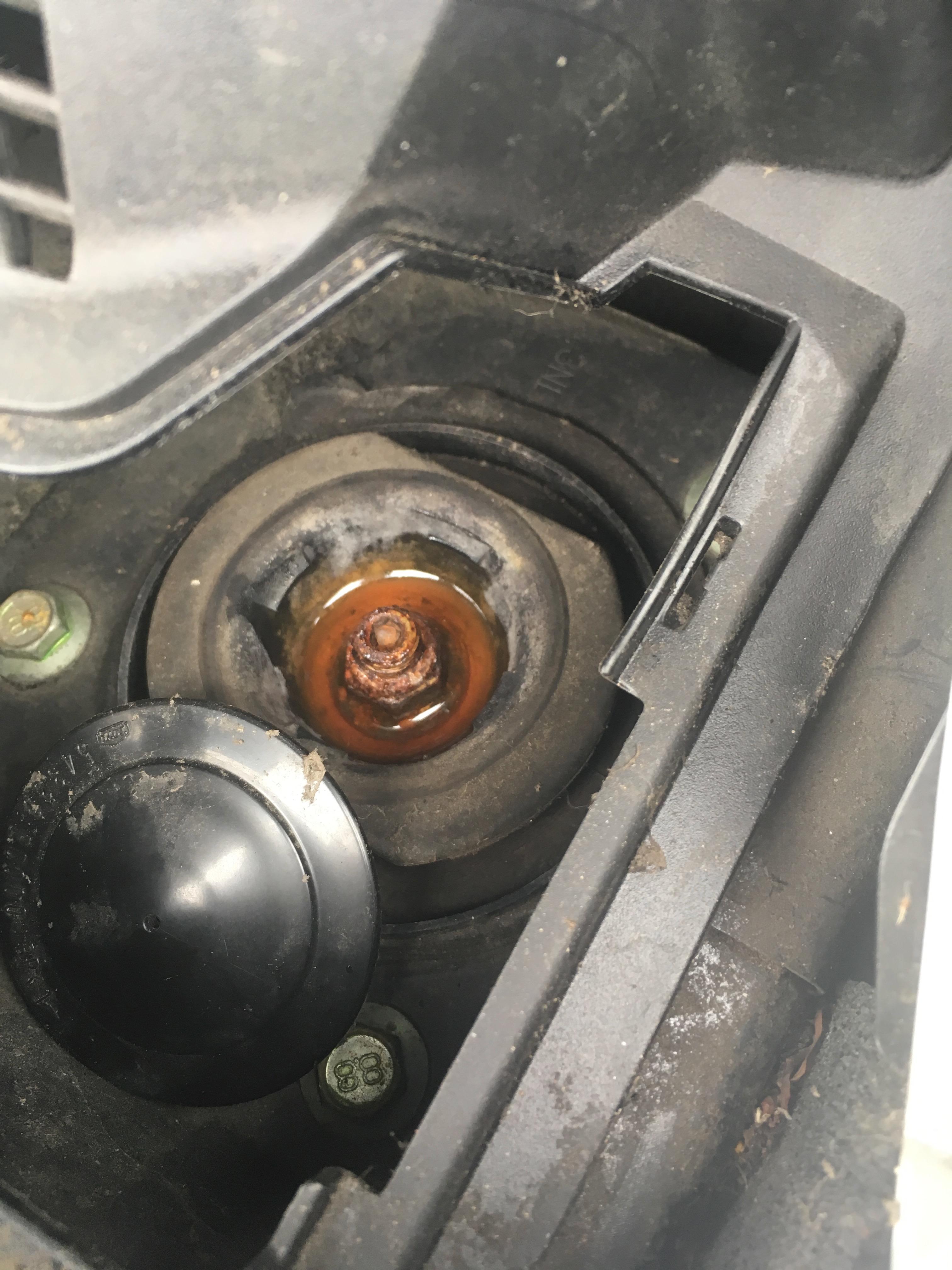 KL650E KLR 650 E 2008-14 Front Right Brake Caliper Piston Seals 27mm New